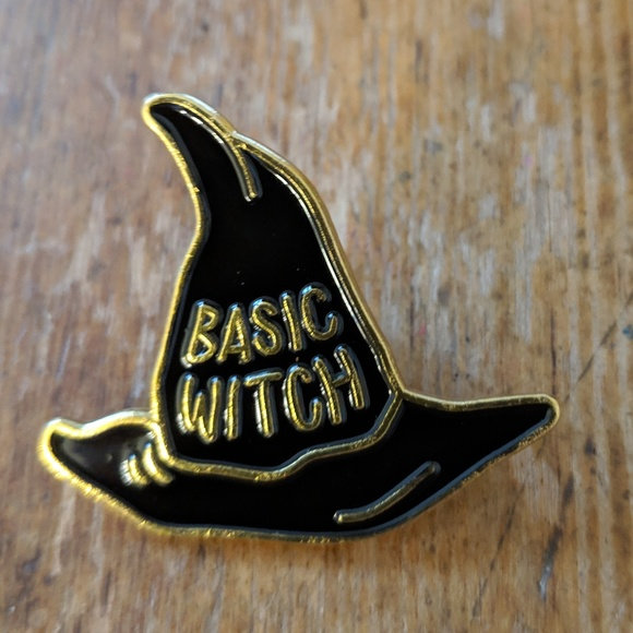 Accessories - Basic Witch Hat Enamel Pin Badge NWOT